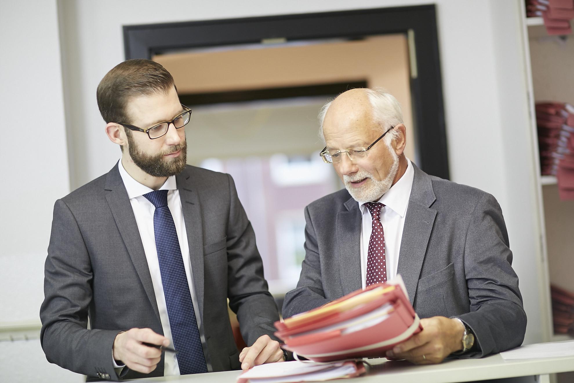 Herbert Geraats und Tobias Wissing in der Kanzlei Geraats & Kollegen in Münster.